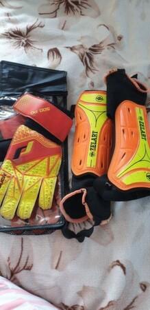 Щитки футбольные и перчатки вратаря - Одесса, Одесская область